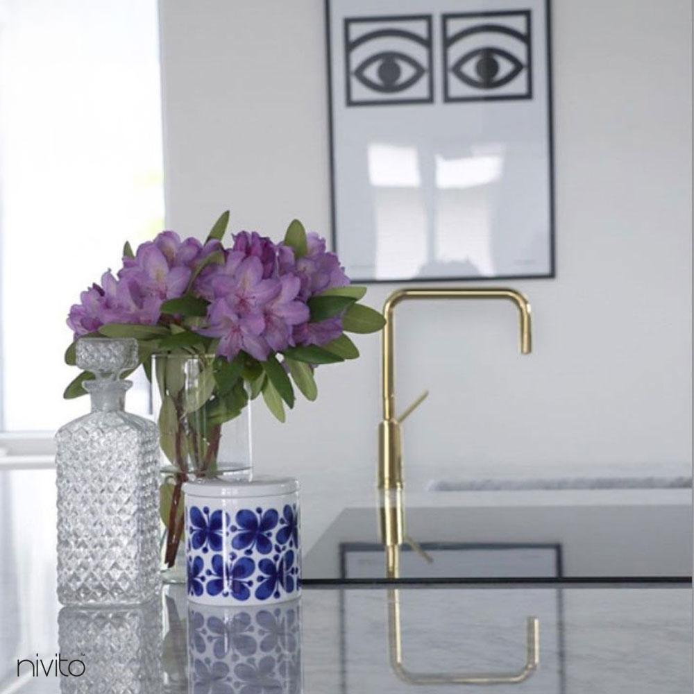 Gold brass single handle faucet